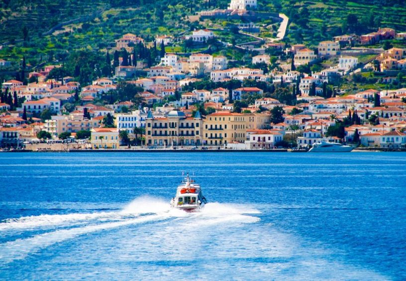 Boat heading into Spetses harbor