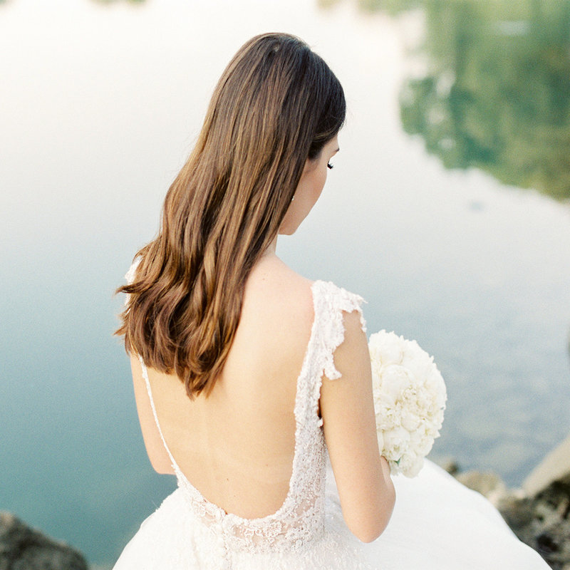 Photo of the bride with the bridal bouquet