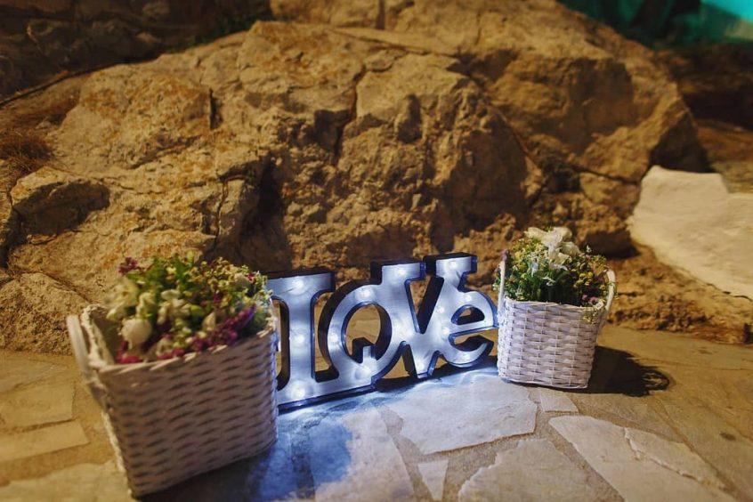wedding in hydra decorations